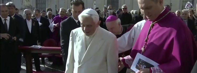 Sekretár Benedikta XVI nevylučuje, že cirkev prechádza konečnou skúškou, pred druhým príchodom Krista.