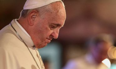 Pápeža požiadali o presunutie synody o mládeži
