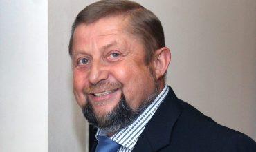 """Píše Harabin: """"Prezident Kiska neprehral iba spor o pozemky pod Tatrami, prehráva aj morálne právo stáť v čele štátu pod Tatrami."""""""