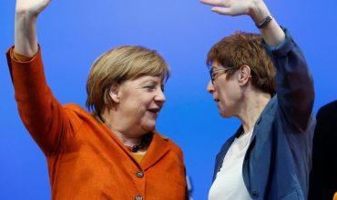 Chce katolíckej cirkvi prikázať kvóty pre ženy a teraz mieri na čelo CDU