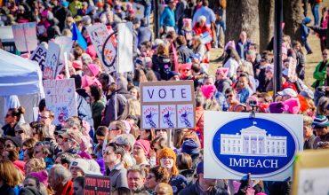 Demokrati získali Snemovňu, Trump Senát. USA čaká chaotické vládnutie