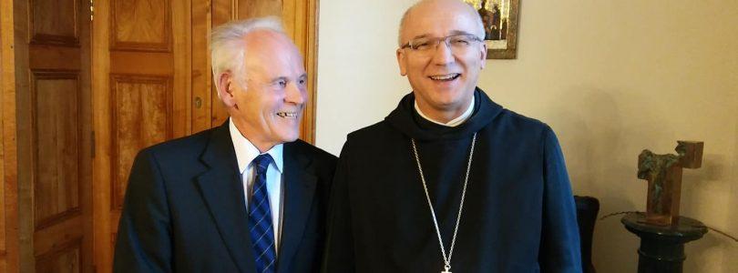 Blog Jozefa Mikloška: Návšteva benediktínov v Panonhalme