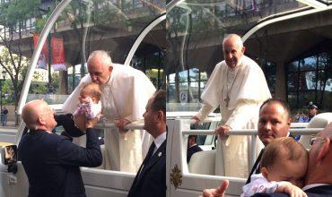Smrteľne choré dieťa sa po bozku od pápeža zázračne uzdravilo