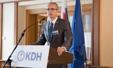 KDH sa po odstúpení Lajčáka, pretláčajúceho genderizmus a pakt o imigrácii, obáva o smerovanie Slovenska