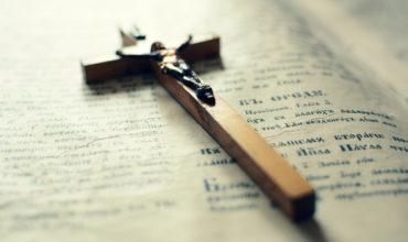 Dva spôsoby ako odkláňa diabol cnostných ľudí od svätosti