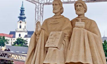 Zvuk zvonov v chrámoch diecézy pripomenie výročie smrti sv. Cyrila
