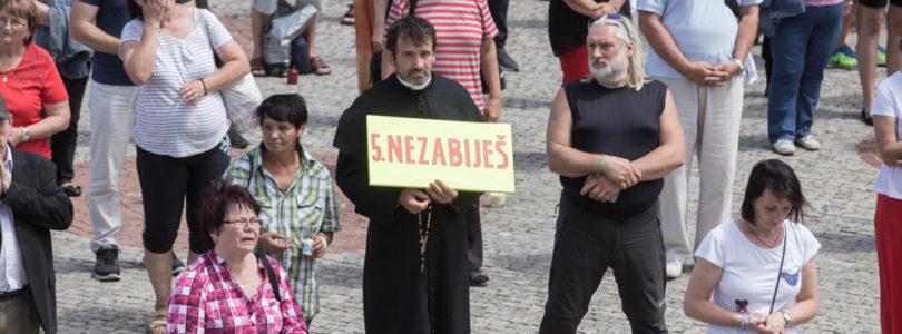 Príhovory arcibiskupa Zvolenského a otca Mariana Kuffu pred NRSR
