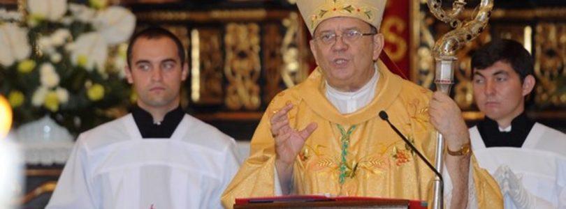 Biskup trnavskej arcidiecézy Ján Orosch sa postavil na stranu Mariána Kuffu