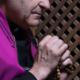 Progresívni liberáli chcú zákonom zatvárať kňazov, ktorí budú rešpektovať spovedné tajomstvo