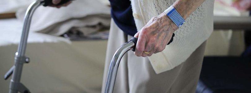 V Holandsku chcú umožniť lekárom odmietnuť liečiť osoby staršie ako 70 rokov