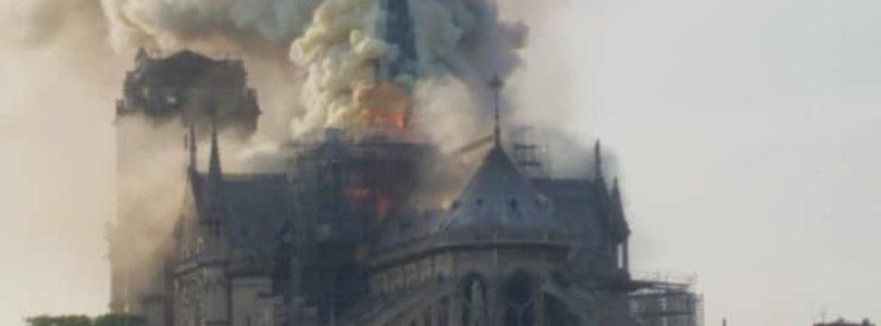 Horí najznámejšia európska katedrála Notre Dame v Paríži