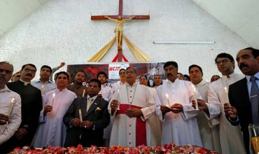 Na prvej omši od bombových útokov vysvätili na Sri Lanke nového kňaza