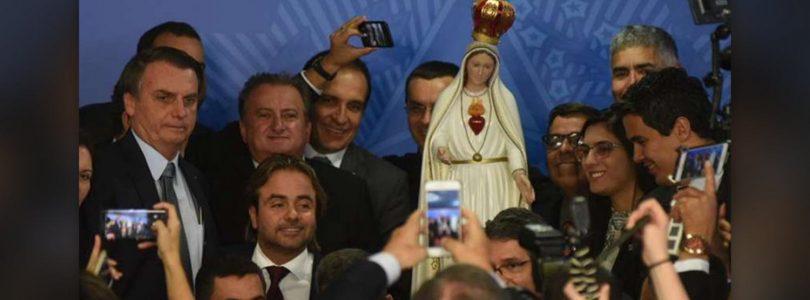 Brazílsky prezident Bolsonaro sa pochválil zasvätením krajiny Panne Márii.