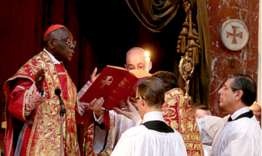 Kardinál Sarah: Západ sa stal domovom satanských ideológií proti životu a rodine a kto mlčí je spolupáchateľom