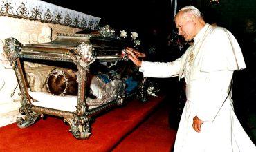Sv. Mária Goretti: Svätica čo obetovala svoju smrť za obrátenie vlastného vraha