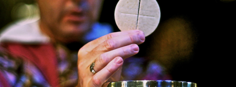 Ako dlho je po prijatí Eucharistie prítomný Kristus v človeku?