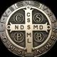 Ako správne nosiť medailu sv. Benedikta a ostatné posvätné predmety?